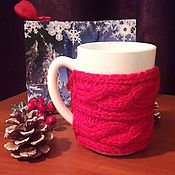 Кружки ручной работы. Ярмарка Мастеров - ручная работа Кружка в красном свитере. Handmade.
