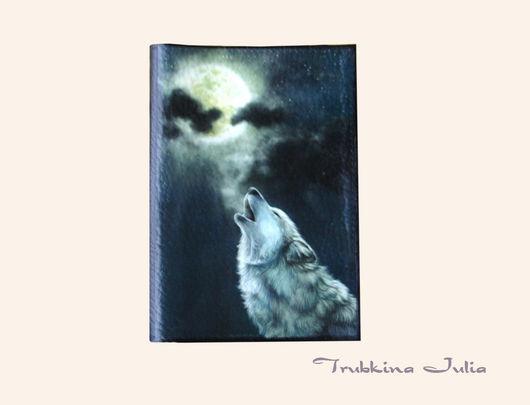 """Обложки ручной работы. Ярмарка Мастеров - ручная работа. Купить Обложка на паспорт """"Одинокий волк"""". Handmade. Натуральная кожа"""