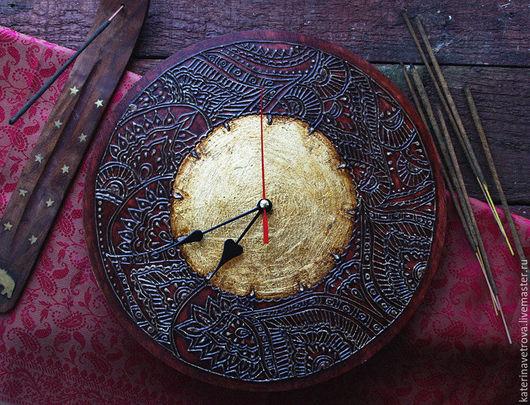 """Часы для дома ручной работы. Ярмарка Мастеров - ручная работа. Купить Часы """"Сат Чит Ананда"""". Handmade. Часы, мехенди"""