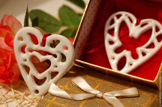 Керамические ажурные сердечки валентинки -подарок к 14 февраля (Дню святого Валентина). Авторская керамика Ксении Гольд.
