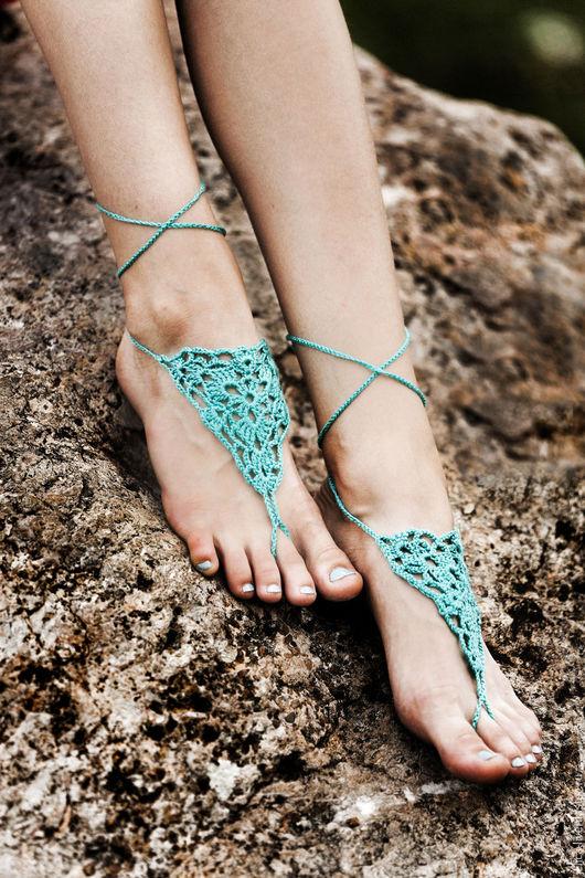 Пляжное украшение на ноги, связано крючком. Фриформ. Идет в комплекте с раздельным купальником. Авторская работа.