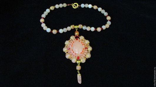 """Колье, бусы ручной работы. Ярмарка Мастеров - ручная работа. Купить колье """"цветок персика"""". Handmade. Розовый, камни"""