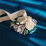 Свадебный салон ручной работы. Ярмарка Мастеров - ручная работа Браслет с синим дельфиниумом, фрезией, сиренью, розами ручной работы. Handmade.
