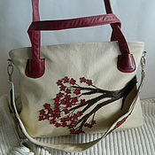 Сумки и аксессуары handmade. Livemaster - original item leather bag. bag with applique. Sakura beige Burgundy. Handmade.