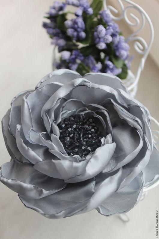 """Броши ручной работы. Ярмарка Мастеров - ручная работа. Купить Цветок-брошь из ткани """"Ковентри"""" серый. Handmade. Серый"""