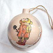 Подарки к праздникам ручной работы. Ярмарка Мастеров - ручная работа Елочный шар Снежинки керамика. Handmade.