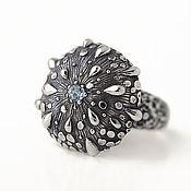 Украшения ручной работы. Ярмарка Мастеров - ручная работа Роса - кольцо из серебра с голубым топазом. Handmade.