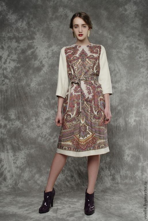 Платье шерстяное из павловопосадского платка с орнаментом тёплое, длина миди до колен, стильное, нарядное, уместное и в праздничной и повседневной обстановке, платье в русском стиле