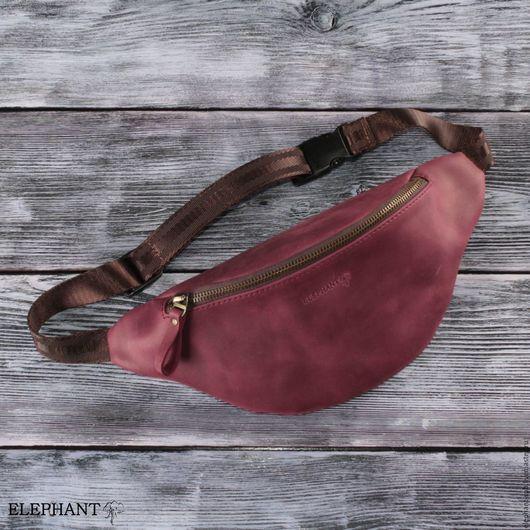 Мужские сумки ручной работы. Ярмарка Мастеров - ручная работа. Купить Поясная сумка кожаная винтаж (винный). Handmade. Бордовый