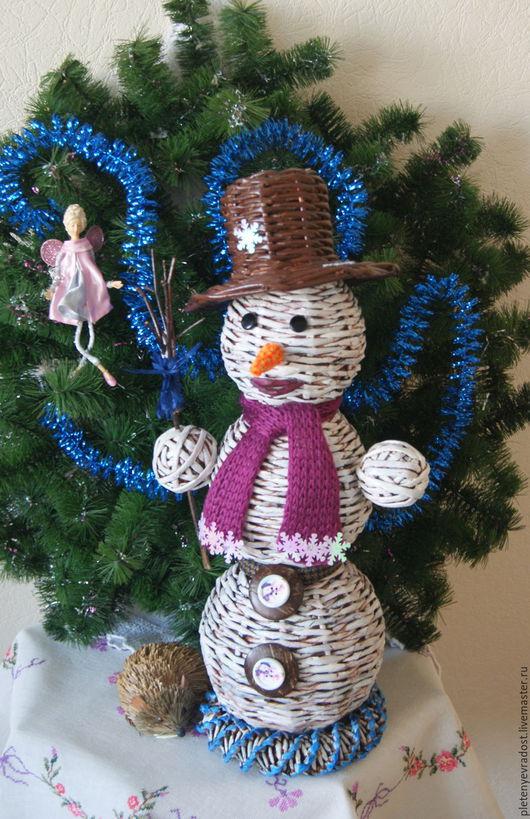Новый год 2017 ручной работы. Ярмарка Мастеров - ручная работа. Купить Снеговик с метёлкой. Handmade. Белый, атрибуты для праздника, 2016 год