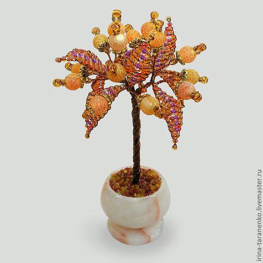 Миниатюрное дерево желтого агата в вазочке из оникса