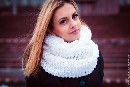Шарфы и шарфики ручной работы. Ярмарка Мастеров - ручная работа. Купить Белый шарф-снуд букле. Handmade. Белый, Нитки