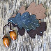 Украшения ручной работы. Ярмарка Мастеров - ручная работа брошь из кожи в форме листьев дуба с желудями, оттенки коричневого. Handmade.
