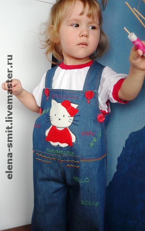 """Одежда для девочек, ручной работы. Ярмарка Мастеров - ручная работа. Купить Джинсовый полукомбинезон """"Hello Kitty"""". Handmade. Джинсовый полукомбинезон"""
