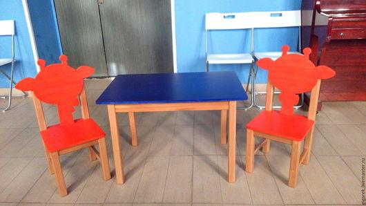 Детская ручной работы. Ярмарка Мастеров - ручная работа. Купить Детский стол и два стульчика.. Handmade. Золотой, детская мебель