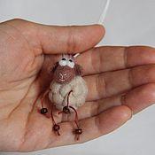 Куклы и игрушки ручной работы. Ярмарка Мастеров - ручная работа Овечка Няшка (брелок). Handmade.