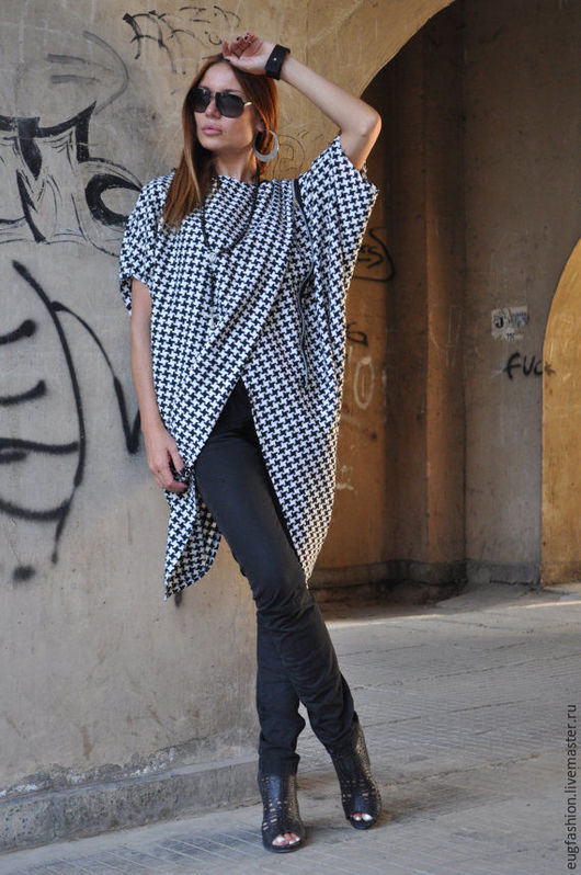 Туника-блузка. Туника в клетку. Модная одежда.
