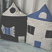 Бортики в кроватку ручной работы. Ярмарка Мастеров - ручная работа Бортики-домики  /подушка/ в кроватку для малыша. Handmade.