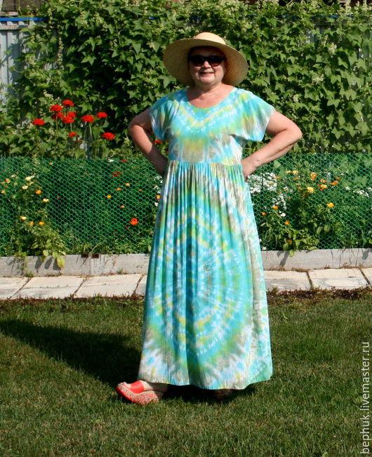 Авторское платье в пол из нежного вискозного батиста с рисунком в бирюзово-зеленых тонах