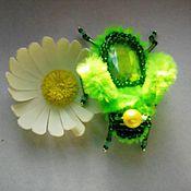 Украшения ручной работы. Ярмарка Мастеров - ручная работа брошка из бисера и бусин жук из серии Зелень лета. Handmade.