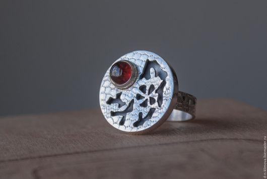 """Кольца ручной работы. Ярмарка Мастеров - ручная работа. Купить кольцо """"Ханами"""", серебро, гранат. Handmade. Ярко-красный, вишня"""