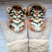 Аксессуары handmade. Livemaster - original item Mittens: Suroweicki with cubs.Stripe on the mittens. Handmade.