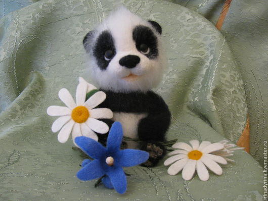 Игрушки животные, ручной работы. Ярмарка Мастеров - ручная работа. Купить Пандочка ЧУ. Handmade. Чёрно-белый, панда из шерсти