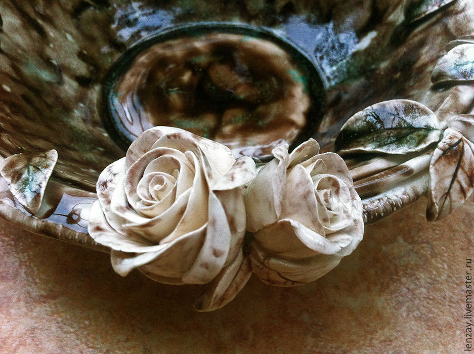 Piala `Black coffee, white chocolate`. Ceramic flowers Elena Zaichenko