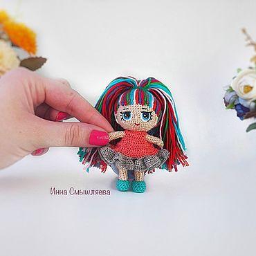 Вязаные куколки в стиле Лол