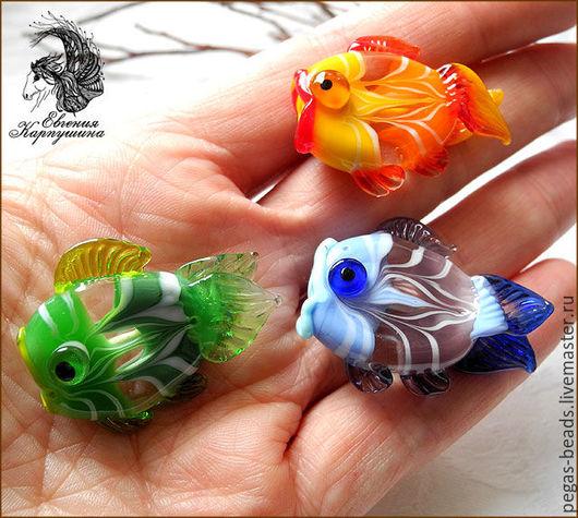 """Для украшений ручной работы. Ярмарка Мастеров - ручная работа. Купить Бусина """"Рыбка"""". Handmade. Комбинированный, бусины стеклянные, стекло"""