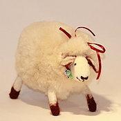 Куклы и игрушки ручной работы. Ярмарка Мастеров - ручная работа Мягкая игрушка овечка. Handmade.