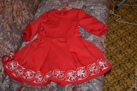 Одежда для девочек, ручной работы. Ярмарка Мастеров - ручная работа. Купить Платье для девочки с вышивкой. Handmade. Ярко-красный