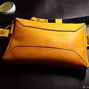 Поясная сумка ручной работы. Ярмарка Мастеров - ручная работа Кожаная сумка на пояс / спину желтая. Handmade.