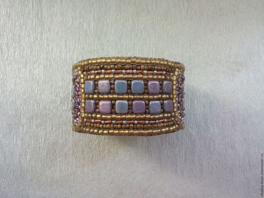 браслет с орнаментом, широкий браслет, крупный браслет, на металлической основе, на металлическом бланке, яркий браслет, браслет на каждый день, коричневый браслет, сиреневый браслет.