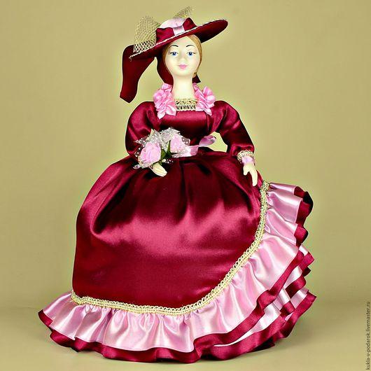 Подарок универсальный праздничный на все случаи жизни кукла грелка. Изготовлено в мастерской Кукла в подарок, Москва. Доставка по Москве курьером, в регионы России и зарубеж Почтой России