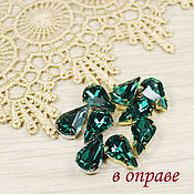 Материалы для творчества handmade. Livemaster - original item Drops 13h8 mm Emerald in gold and silver bows flatback. Handmade.