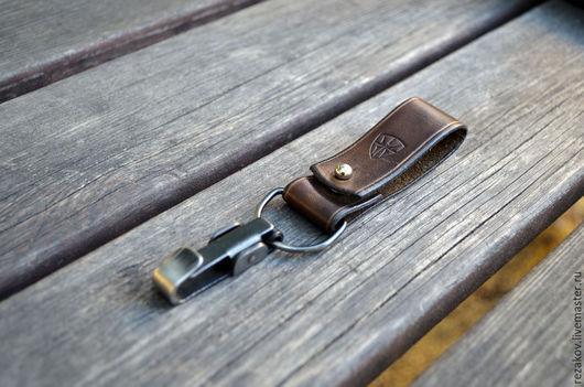 Брелоки ручной работы. Ярмарка Мастеров - ручная работа. Купить Карабин для ключей. Handmade. Коричневый, вороненая сталь, кожаный брелок