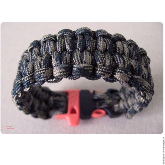 Звезда среди путешественников. Классический браслет выживания (survival braclet) из американского паракорда. Быстрораспускающийся при необходимости в 3 метра крепкой стропы. Под заказ.