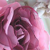 """Украшения ручной работы. Ярмарка Мастеров - ручная работа ЦВЕТЫ ИЗ ТКАНИ. Шифоновая роза брошь """"Фуксия в розовом"""". Handmade."""
