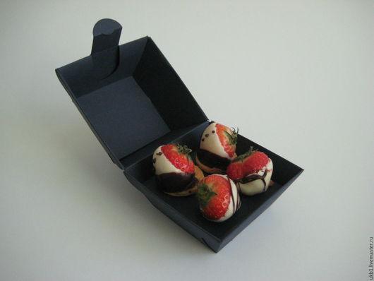 Коробка оригинальной формы для конфет ручной работы из дизайнерской бумаги