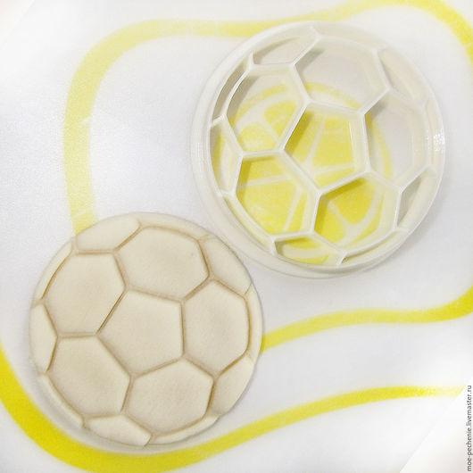 Футбольный мяч.  Вырубка-штамп для пряников, печенья, мастики, поделок из соленого теста.