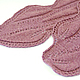 """Цвет шали - сложный розовый, немного меланжевый, производитель пряжи назвал его """"светлая брусника"""" , я бы назвала его пепельно-розовым."""