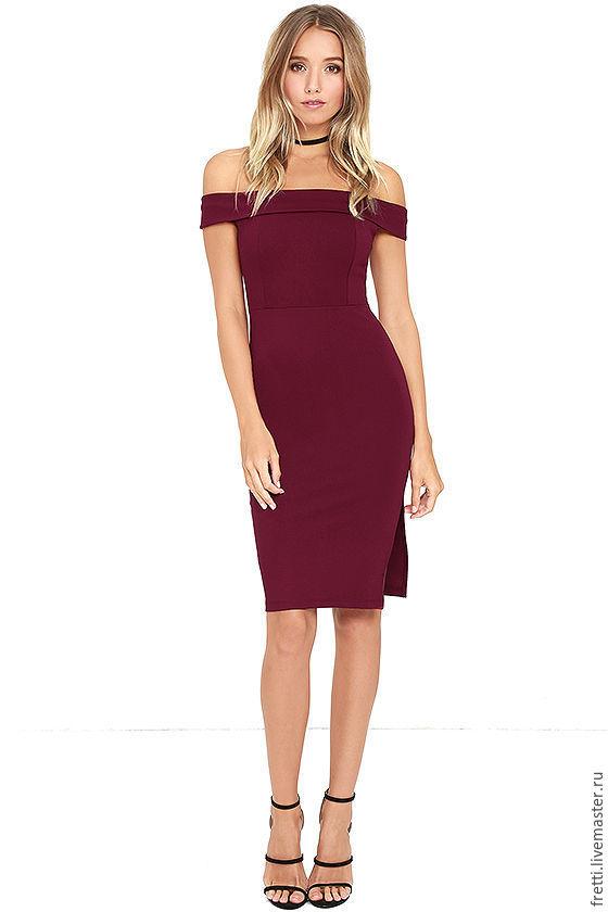 Бордовое коктейльное платье
