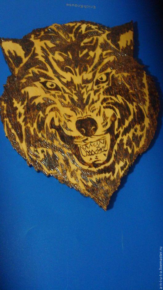 """Интерьерные слова ручной работы. Ярмарка Мастеров - ручная работа. Купить Маска """"Волк"""". Handmade. Золотой, выжигание, лак, кедр"""