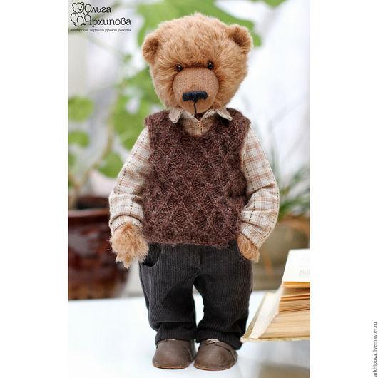 Михалыч - медведь тедди в одежде и обуви ручной работы.  Может стать памятным подарком как женщине, так и мужчине и будет радовать долгие годы.
