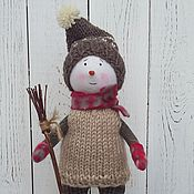 Куклы и игрушки ручной работы. Ярмарка Мастеров - ручная работа Снеговичок с метёлкой. Handmade.