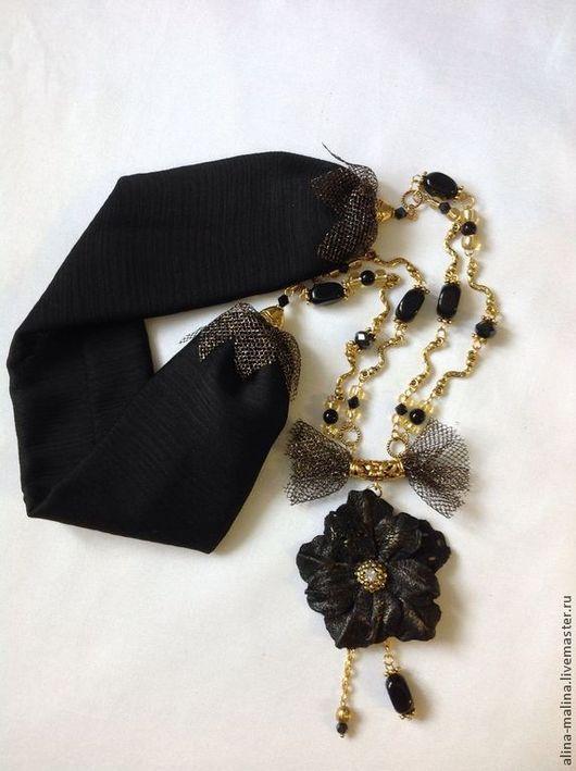 Колье, бусы ручной работы. Ярмарка Мастеров - ручная работа. Купить Flower & bow черное украшение на шею. Handmade.