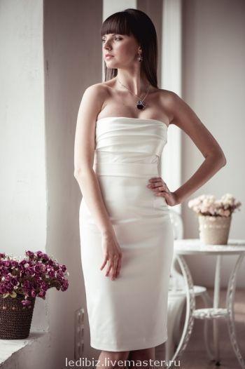 Платья ручной работы. Ярмарка Мастеров - ручная работа. Купить Платье коктейльное. Handmade. Однотонный, короткое свадебное платье