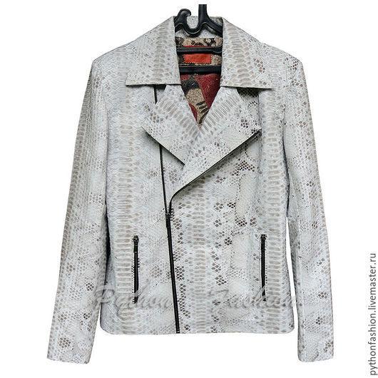 Куртка из питона. Модная женская куртка из питона на заказ. Весенняя куртка ручной работы. Красивая женская куртка из питона. Дизайнерская куртка из питона на молнии. Куртка из кожи питона на весну.