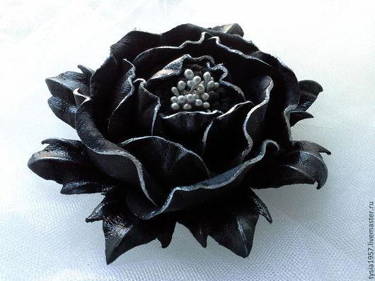 цветы из кожи. кожаные цветы. Туся. цветы. брошь из кожи. украшение из кожи. цветы из кожи в украшении. цветы из кожи ручной работы. цветы из кожи фантазийные. цветы из кожи купить. цветы в подарок.